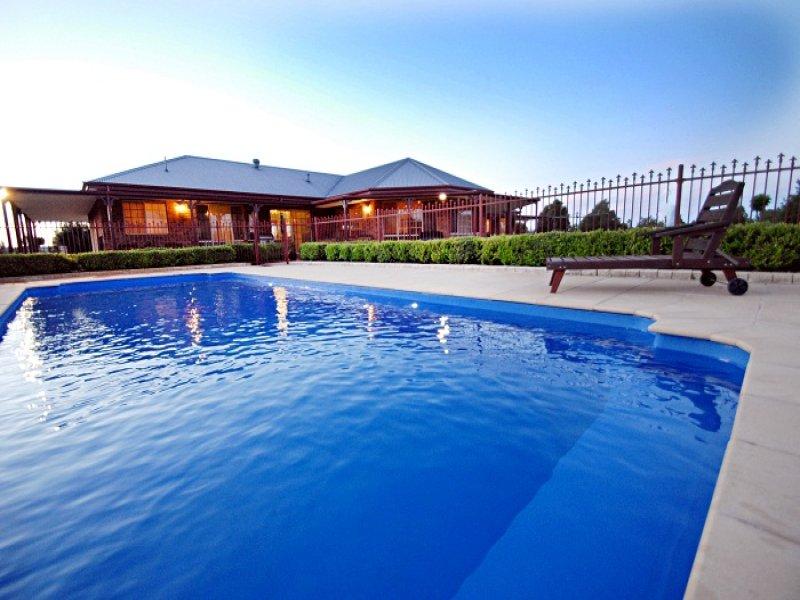 9 Mancini Drive, Lake Wyangan, NSW 2680