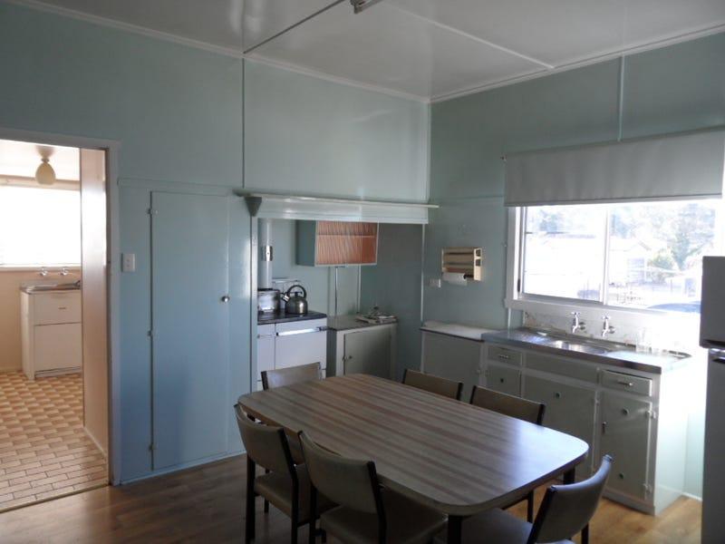 18 Stanton St, Stanthorpe, Qld 4380
