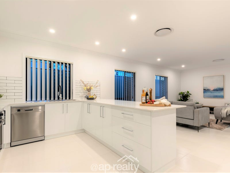 68 Pinnacle Circuit, Heathwood, Qld 4110