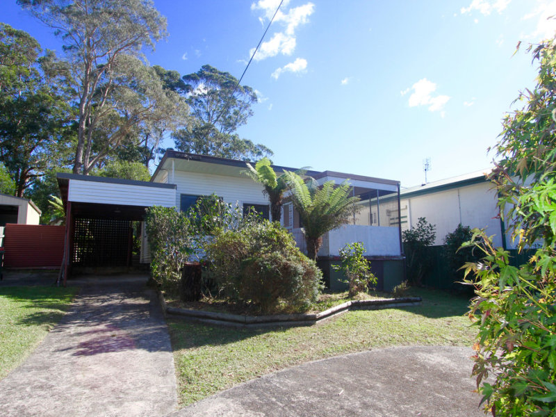 19 Cornfield Parade, Fishermans Paradise, NSW 2539