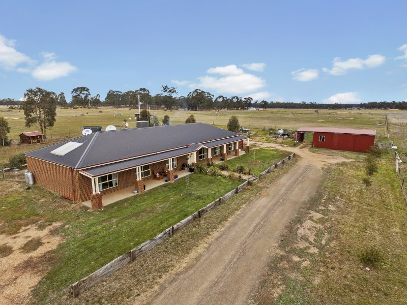 14 Palmer Road, Neilborough, Vic 3570