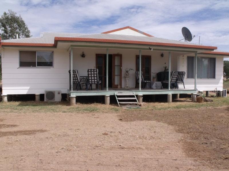 15  Flinders Street, Yuleba, Qld 4427