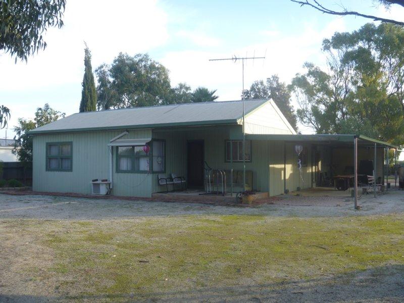 32 East Terrace, Parham, SA 5501