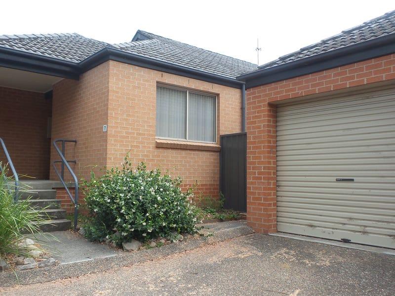 7/33 Lynburn Avenue, Bomaderry, NSW 2541