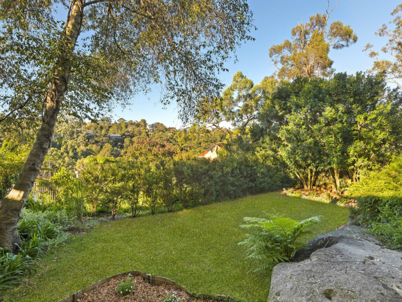 295 Eastern Valley Way, Middle Cove, NSW 2068