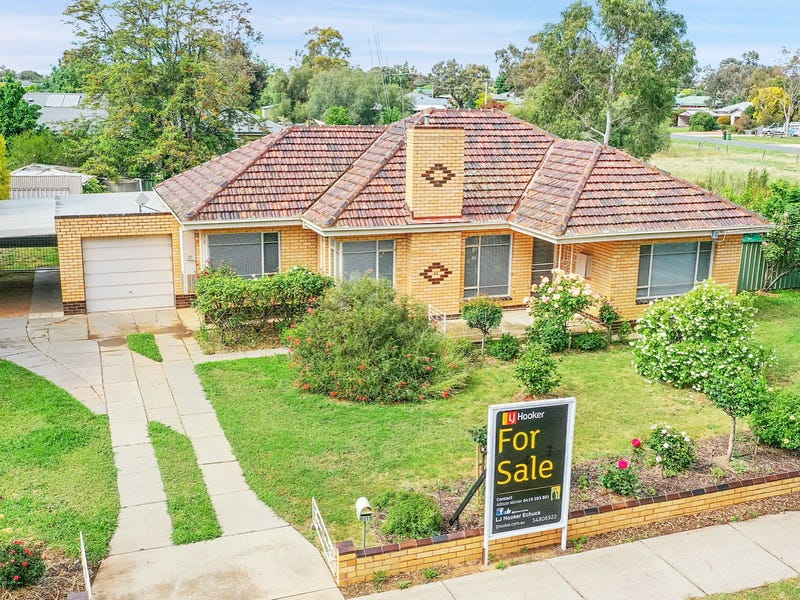 61 Lowry Street, Rochester, Vic 3561