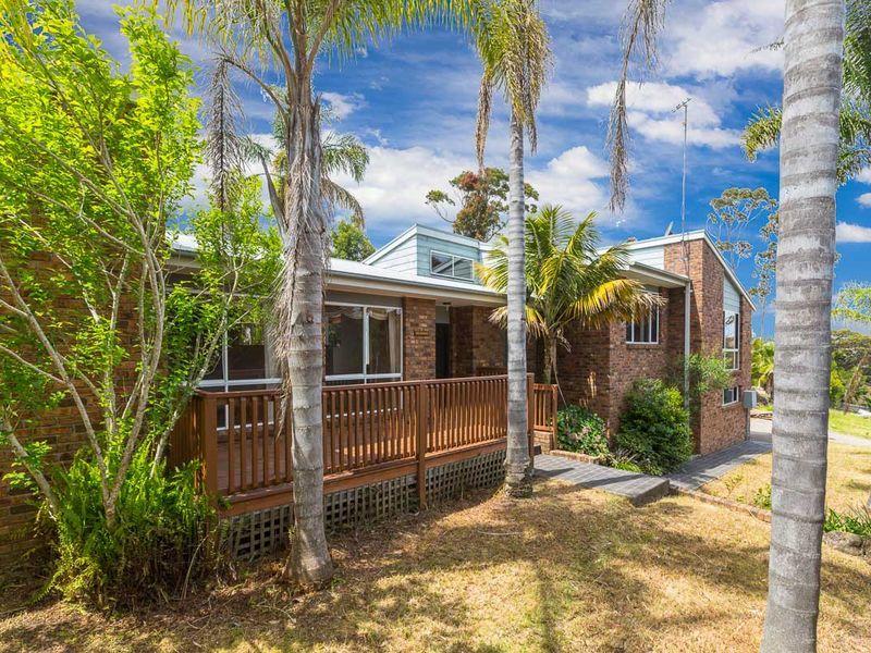 16 Escape Place, Malua Bay, NSW 2536