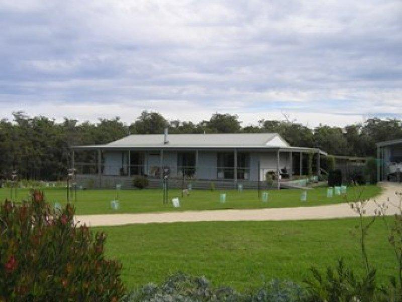 15 Nauta Terrace, Mallacoota, Vic 3892