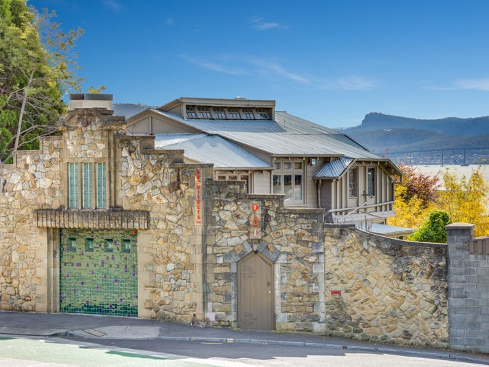 1/2a Nutgrove Avenue, Sandy Bay, Tas 7005