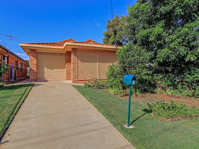 7 Berrimilla Street, Manly West, Qld 4179