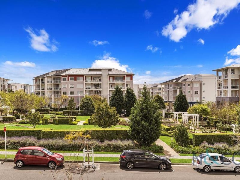 206/4 Rosewater Circuit, Breakfast Point, NSW 2137