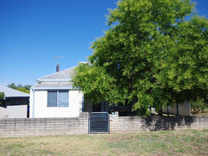 54 Darling Avenue, Cowra, NSW 2794