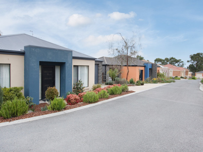 Unit 11/27 Jefferson Road, Garfield, Vic 3814