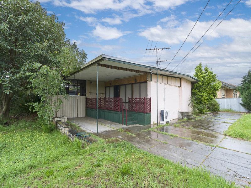 7 Dennis Crescent, Para Hills, SA 5096