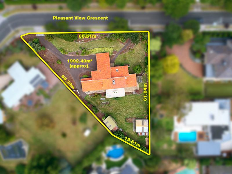 3 Pleasant View Crescent, Wheelers Hill, Vic 3150