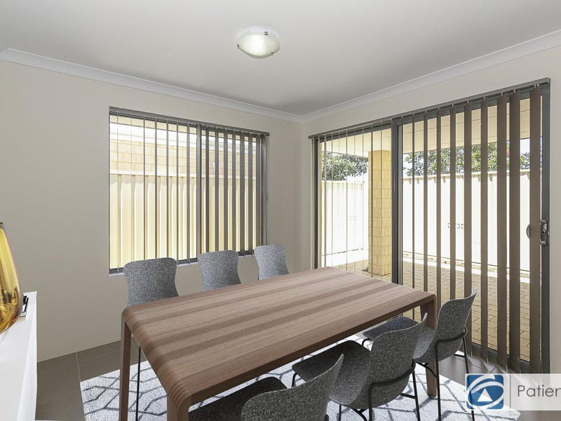 2/6 Chipping Crescent, Butler, WA 6036