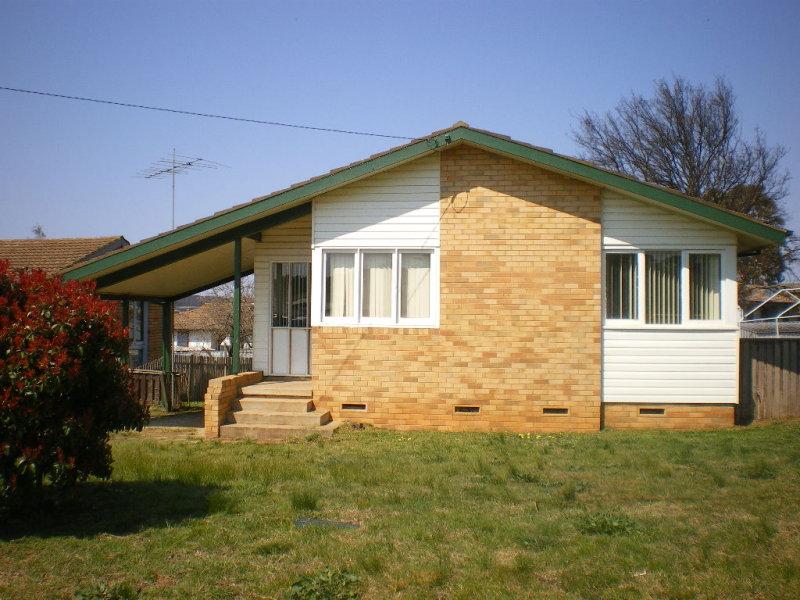 55 GOUROCK AVENUE, Goulburn, NSW 2580