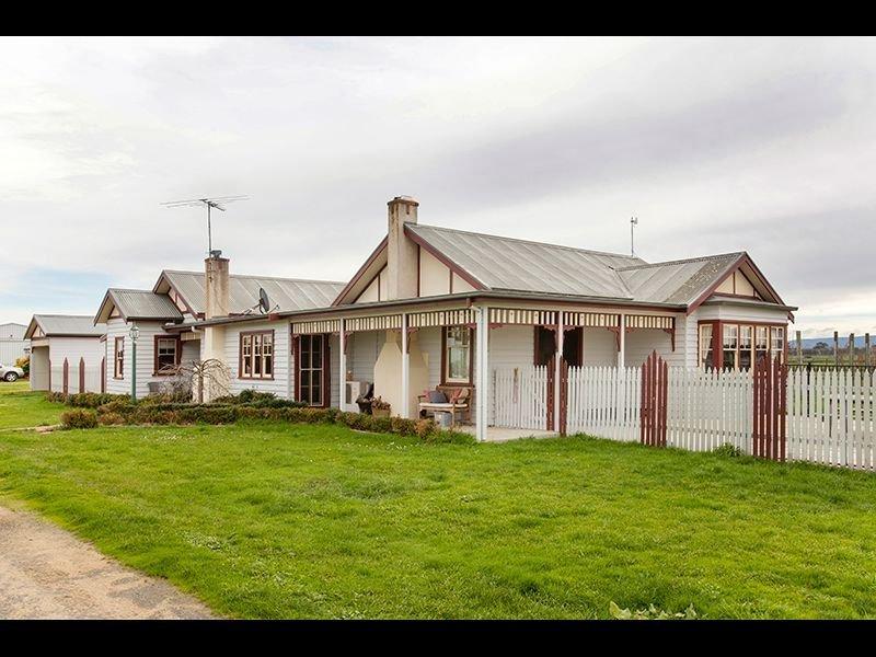 820 Bunyip Modella Road, Iona, Vic 3815