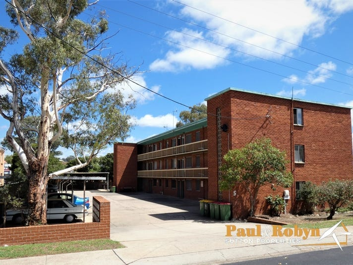 Unit 11/5 Charles Street, Queanbeyan, NSW 2620