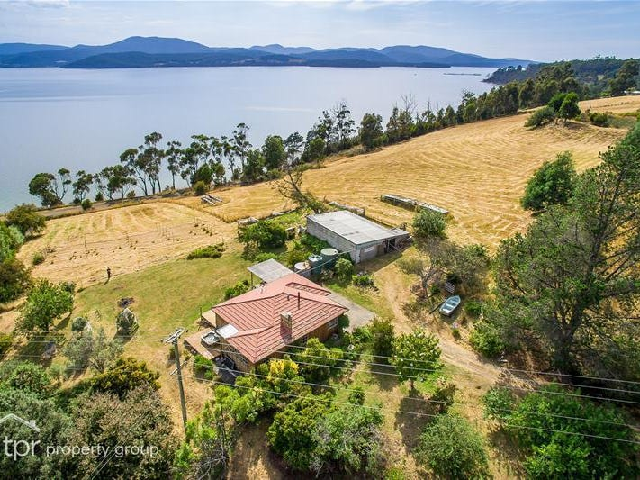 588 Police Point Road, Police Point, Tas 7116