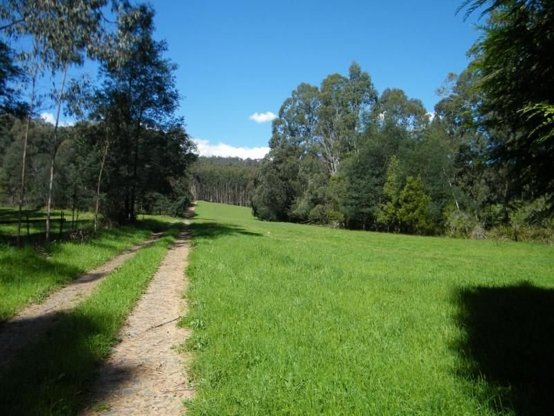 - Loch Valley Road, Noojee, Vic 3833