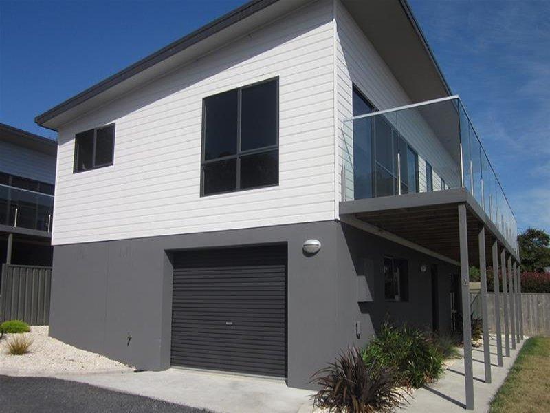 2/24 Pelissier Street, Somerset, Tas 7322