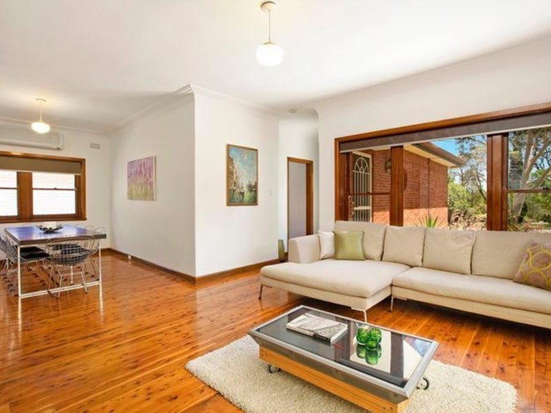 8 Carbethon Crescent, Beverly Hills, NSW 2209