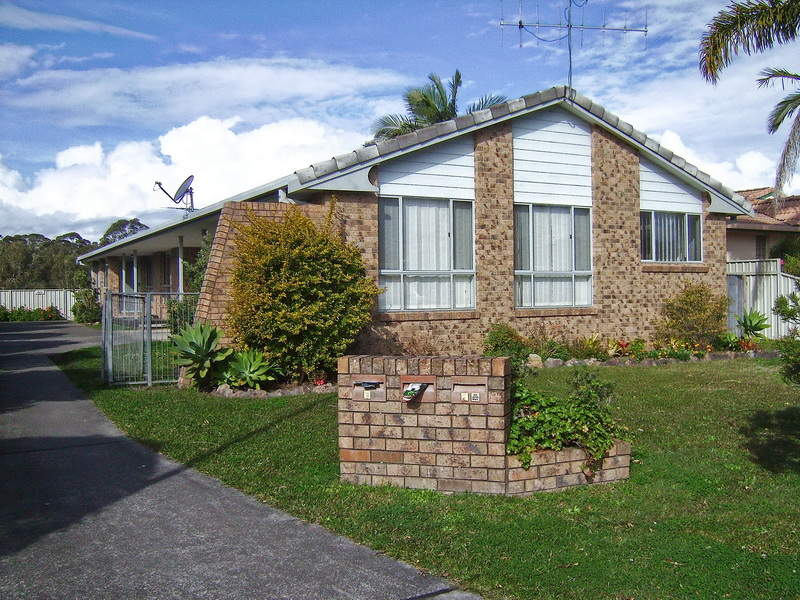 1 & 2, 13 Oxley Place, South West Rocks, NSW 2431