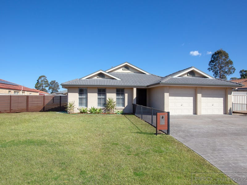 11 Glover Crescent, Metford, NSW 2323