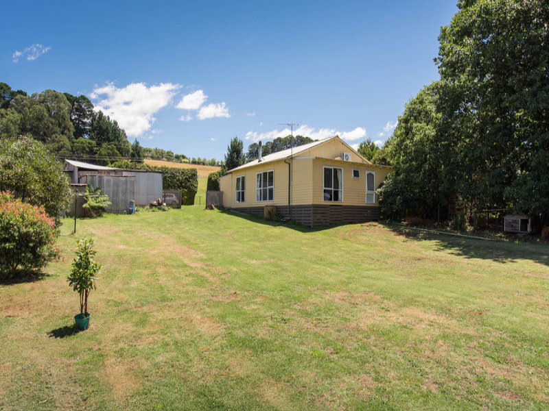 139 Monbulk-Seville Road, Silvan, Vic 3795