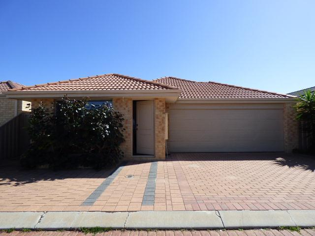 2/89 Amherst Road, Canning Vale, WA 6155