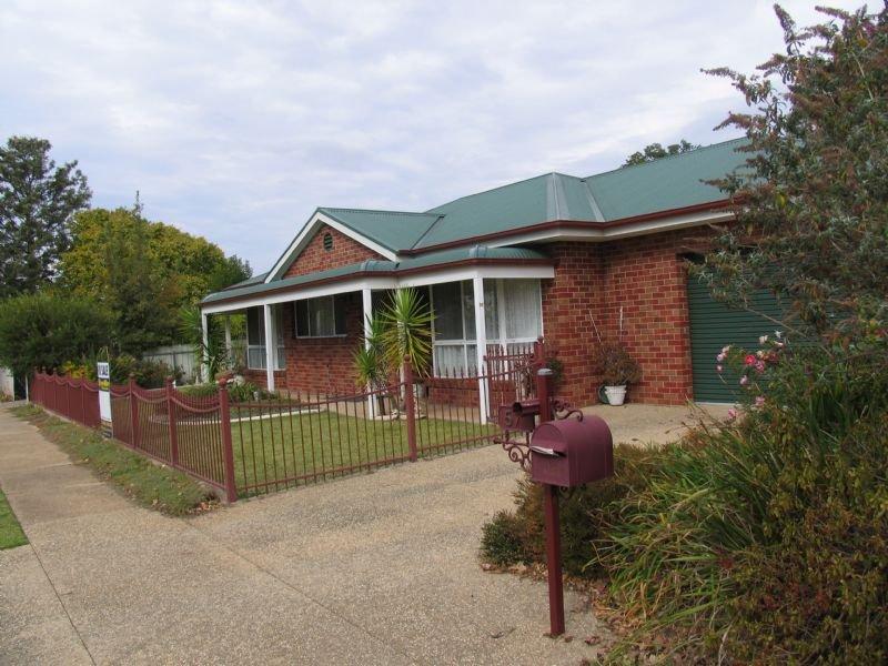 57 Walker Street, Corowa, NSW 2646