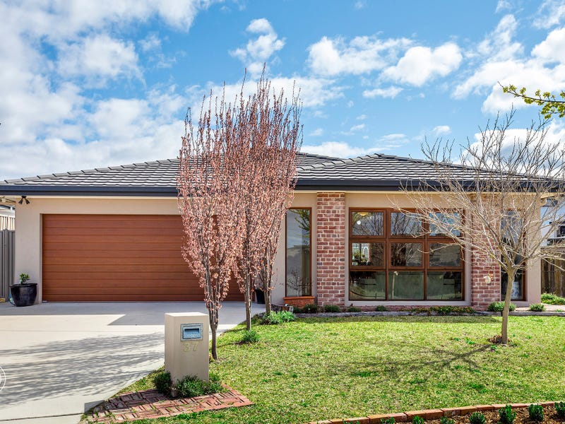 37 Annabelle View, Coombs, ACT 2611