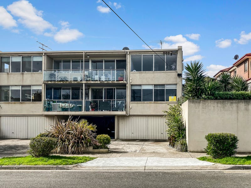 3/57A The Corso, Parkdale, Vic 3195