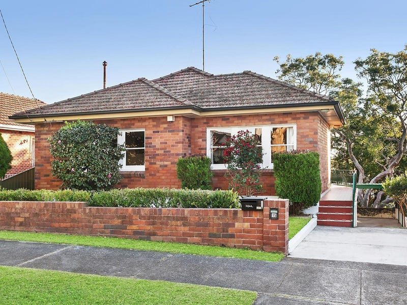 15 Gnarbo Avenue, Carss Park, NSW 2221