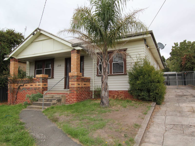 210 Main Road, Golden Point, Vic 3350