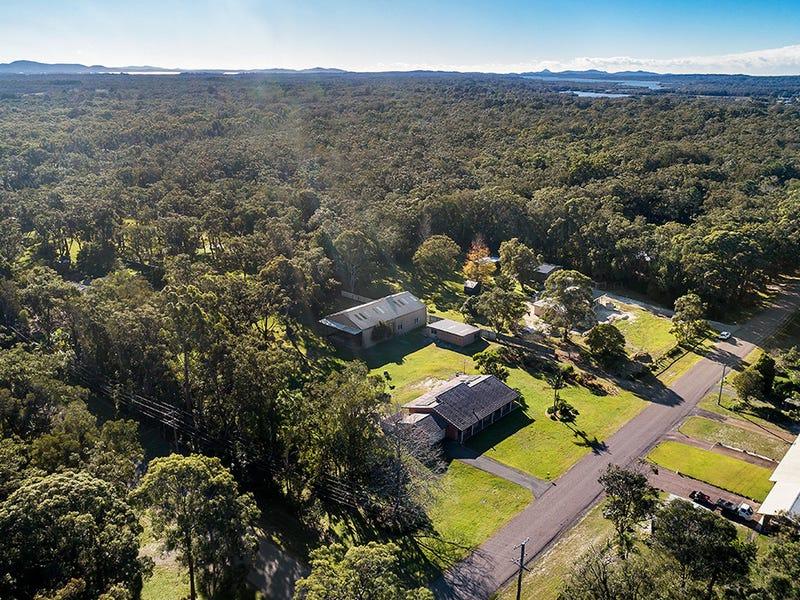 1 Recluse Place, Salt Ash, NSW 2318