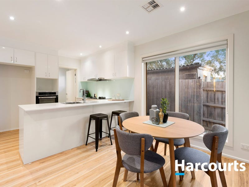 2/142 New Street, Ringwood, Vic 3134