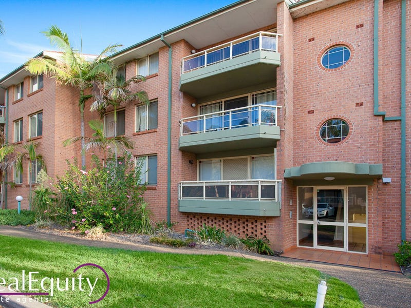 3/6 Mead Drive, Chipping Norton, NSW 2170