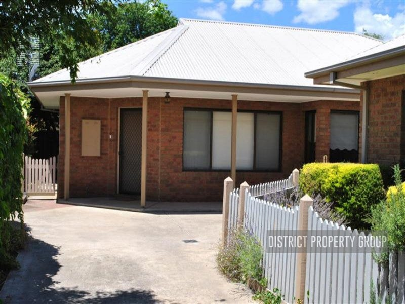 2/10a Collopy Street, Mansfield, Vic 3722