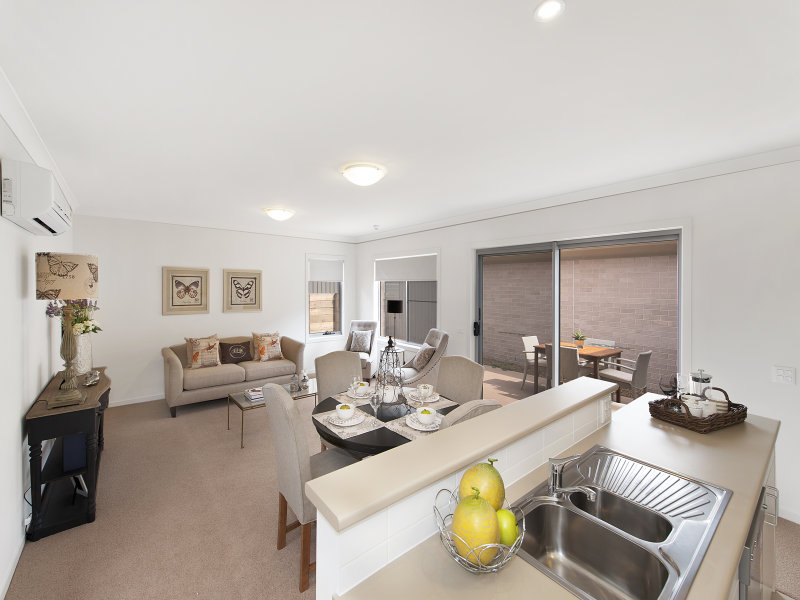 136/100 Gilchrist Drive, Campbelltown, NSW 2560