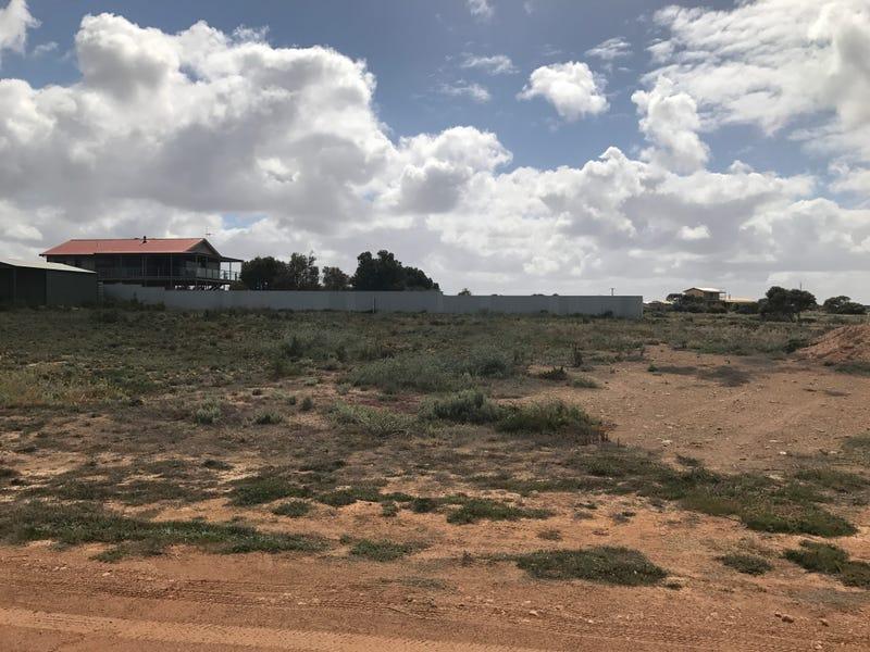 8 SAUNDERS DRIVE, Denial Bay, SA 5690