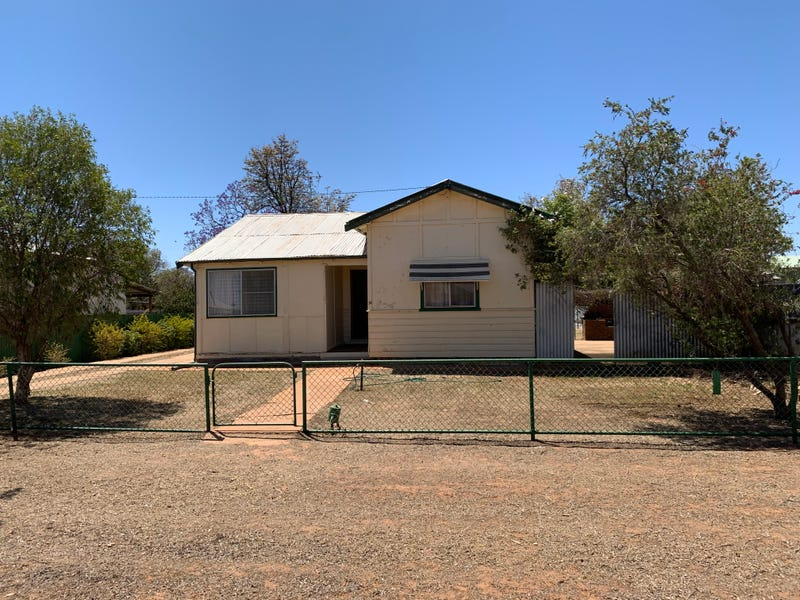 32  Campbell St, Trangie, NSW 2823