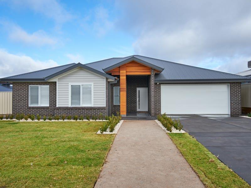 7 Morris Crescent, Gobbagombalin, NSW 2650
