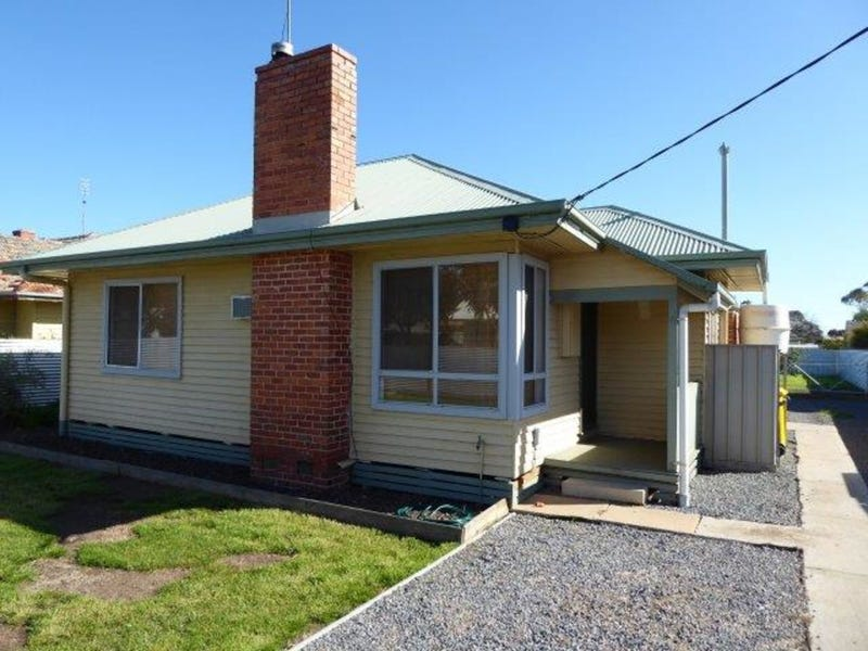 82 Jamouneau Street, Warracknabeal, Vic 3393