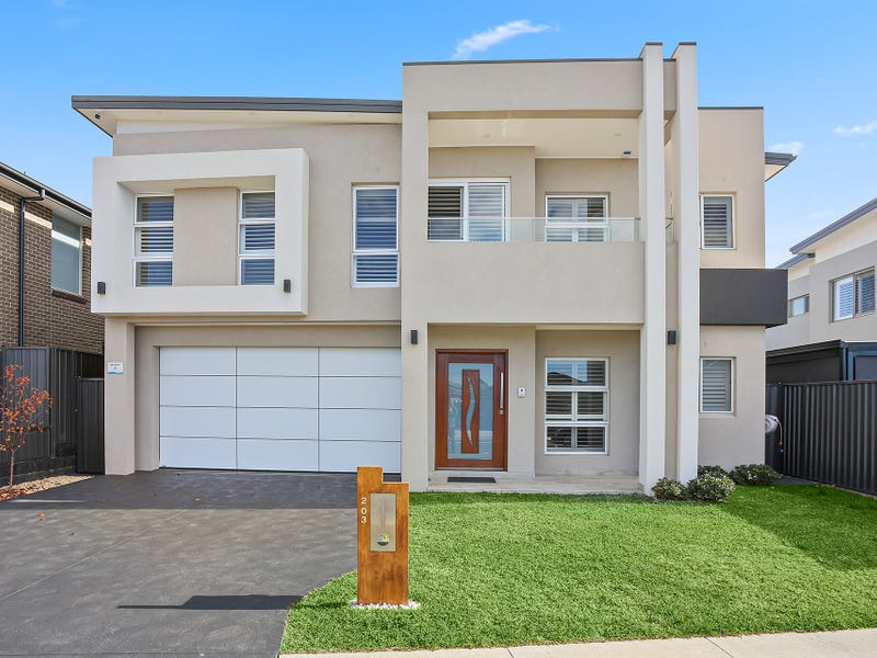 203 Village Circuit, Gregory Hills, NSW 2557
