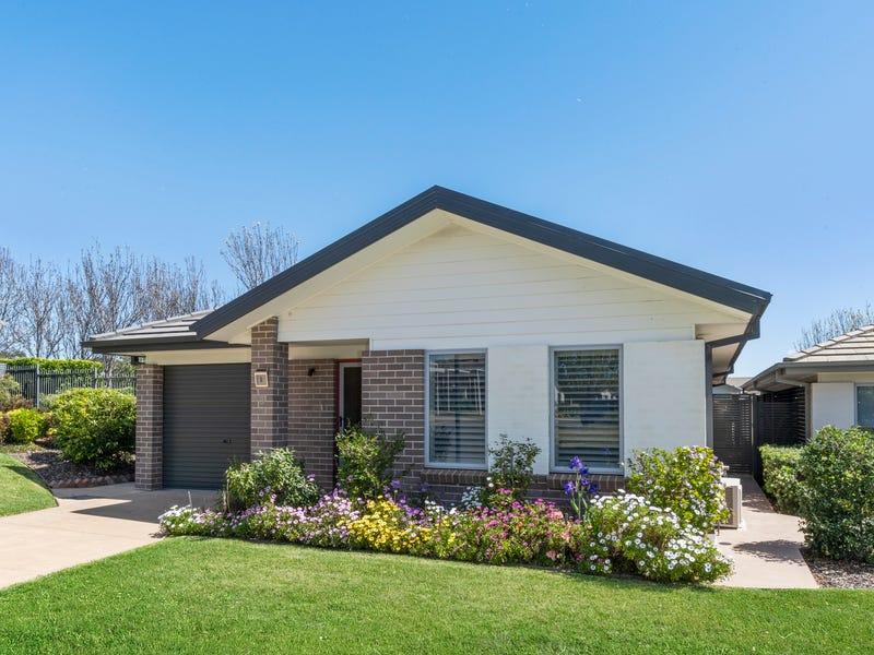 Villa 005 100 Gilchrist Drive, Campbelltown, NSW 2560