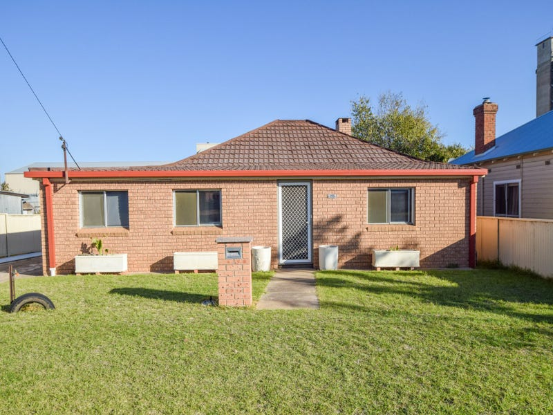 172 Nasmyth Street, Young, NSW 2594