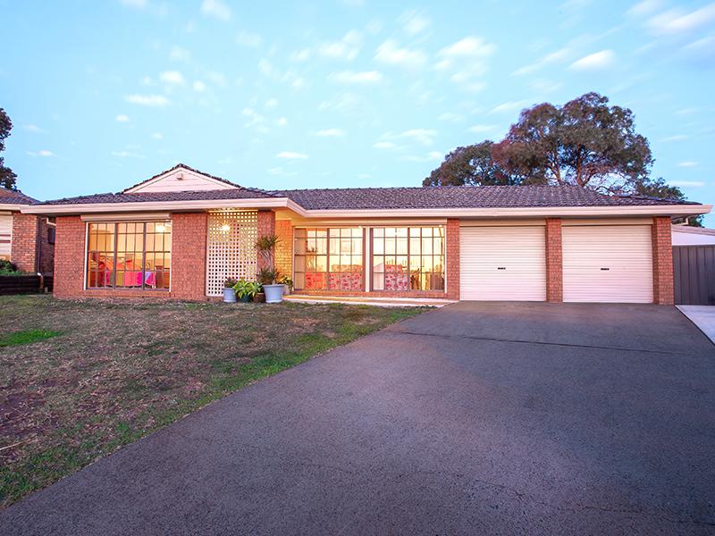 5 Quail Place, Hinchinbrook, NSW 2168