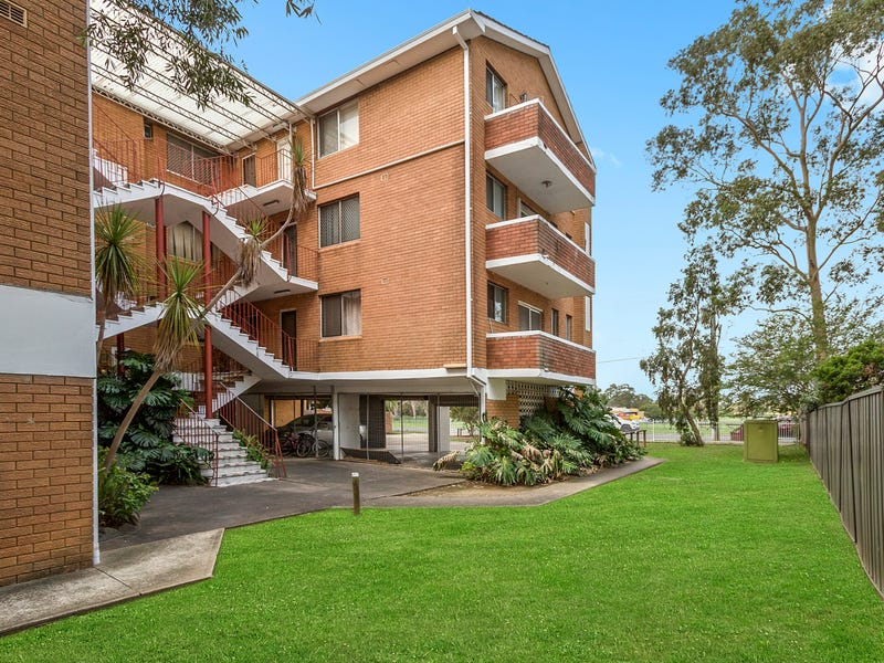 2/15-17 First Street, Kingswood, NSW 2747